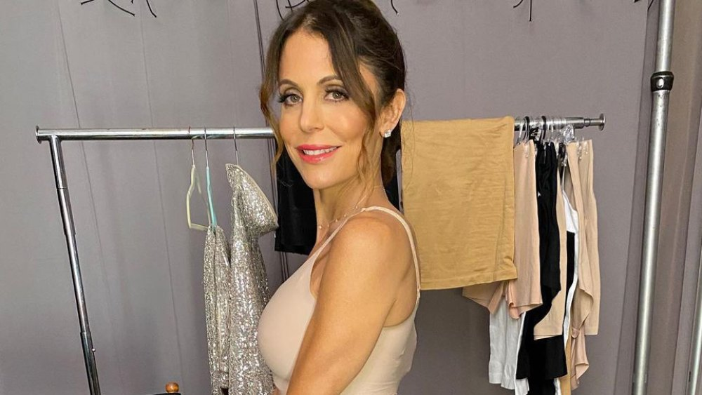see-bethenny-frankel-strip-down-to-nothing-but-skinnygirl-shapewear