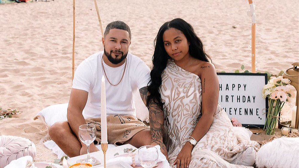 that-ring!-pregnant-cheyenne-floyd-and-zach-davis-are-engaged