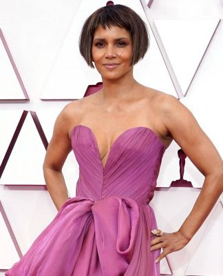 """halle-berry-shares-new-pic-of-hair-after-that-""""oscar-bob"""""""