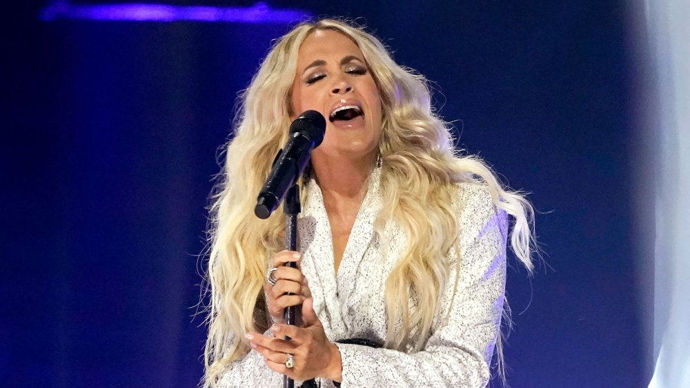 bow-down!-carrie-underwood-delivers-showstopping-performance-at-cmt-awards