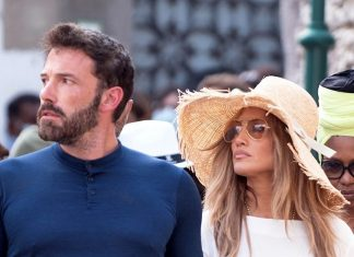 j.lo-and-ben-affleck-wore-this-matching-item-while-sightseeing-together-in-italy