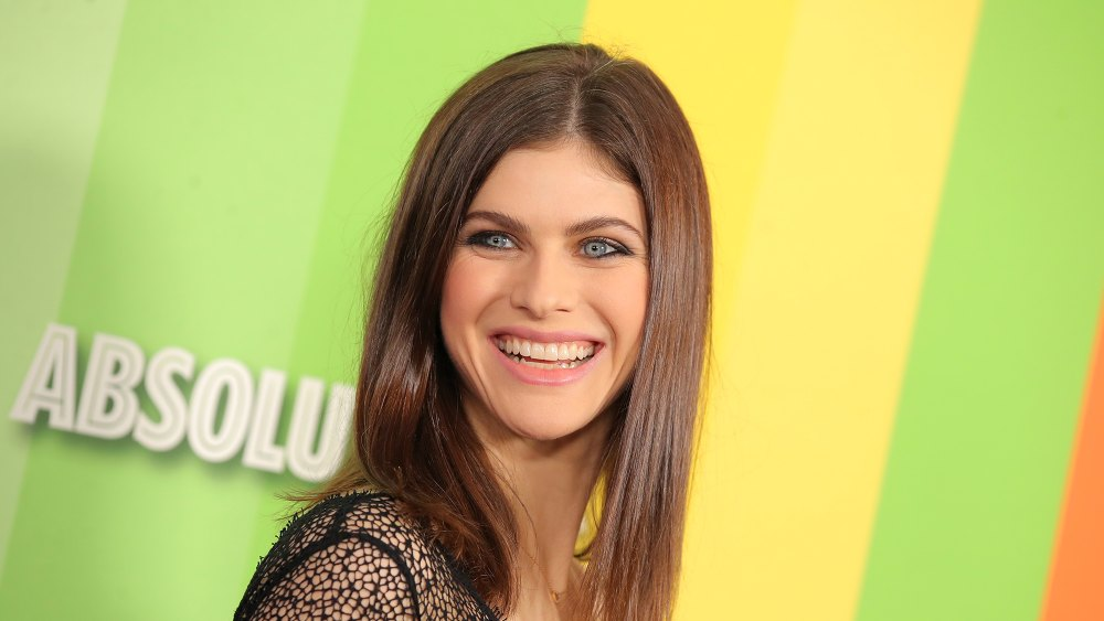 alexandra-daddario-finishes-her-skincare-routine-with-this-moisturizer