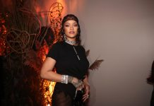 """rihanna-still-using-her-now-""""experimental""""-next-album-to-mess-with-our-heads"""
