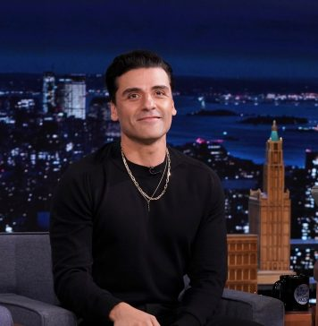 oscar-isaac-is-waging-a-one-man-war-against-stubble